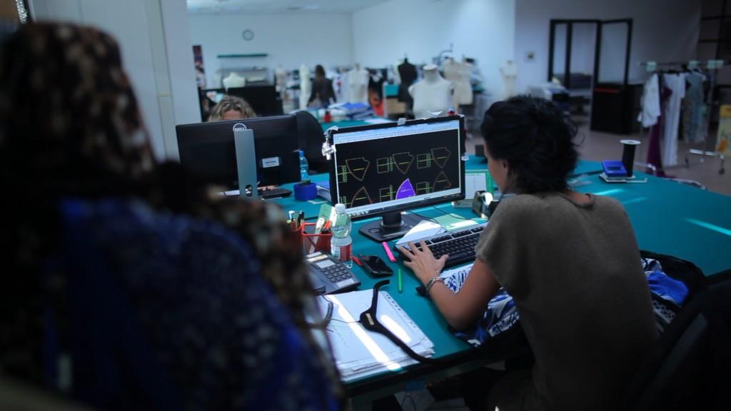 La grande complessità delle lavorazioni richiede forti competenze artigianali unite alle più moderne tecnologie