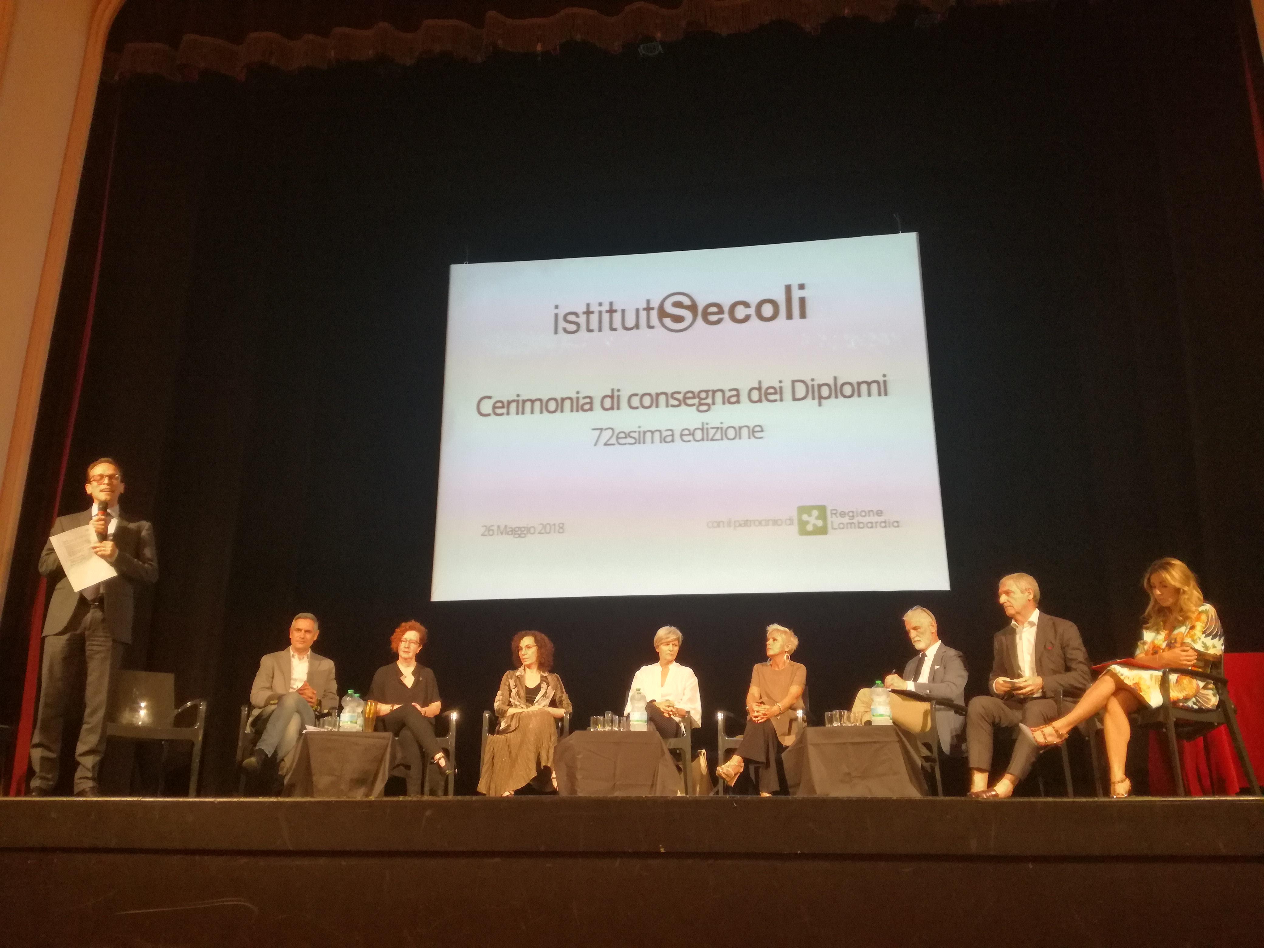 Istituto Secoli: i suggerimenti degli esperti moda e consegna dei diplomi